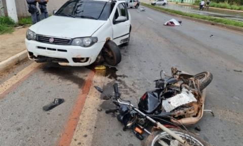 Mulher morre após colidir moto com carro e ser atropelada por outro veículo