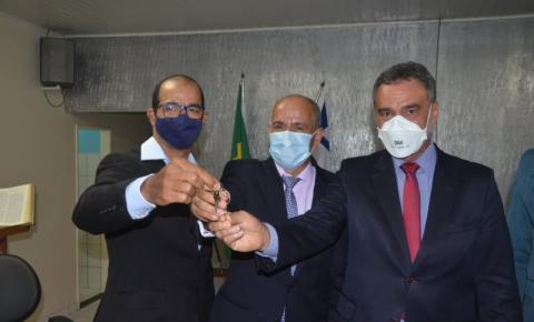 Gildo Mota, Wilson de Jacó e Vereadores são empossados em Serrolândia