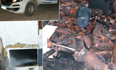 Residência é incendiada em Miguel Calmon