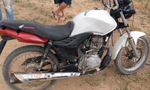 Dupla toma moto de assalto é perseguida e um foge ferido em Serrolândia