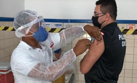 Bahia inicia vacinação das polícias contra o coronavírus