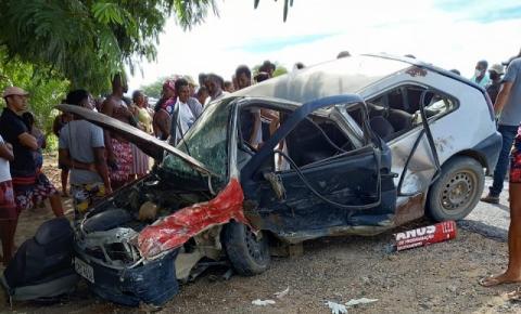 Grave acidente deixa 5 feridos na BR 324, próximo ao distrito de Novo Paraíso em Jacobina