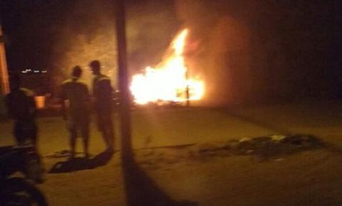 Homem morre assassinado a tiros e dois carros são incendiados em Capim Grosso